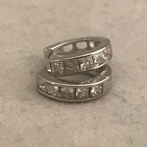 Zilveren ring met Basic Zirkonia's 19.95eu