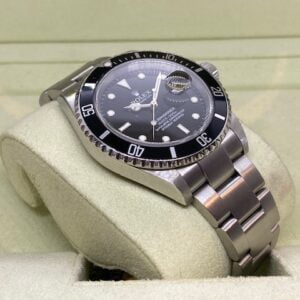 Rolex Submariner 16610 from 2004 - GOOD Condition